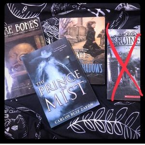 Barnes & Noble Other - Creepy Teen Books Bundle
